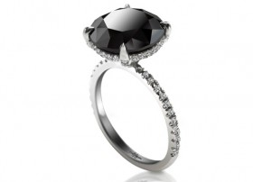 Carrie Bradshaw's Black Diamond from SATC2