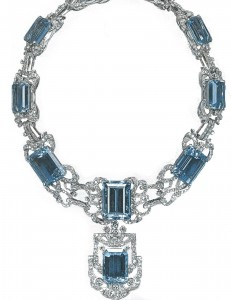 Queen Elizabeht's aquamarine neccklace & pendant