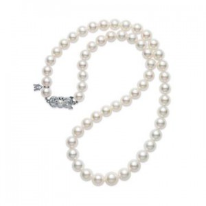 Strand of white pearl necklace