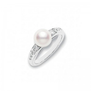 Mikimoto 18 karat white gold diamond and pearl ring.