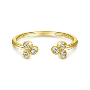 14K Yellow Gold Split Ring with Bezel Set Triple Diamond Clusters