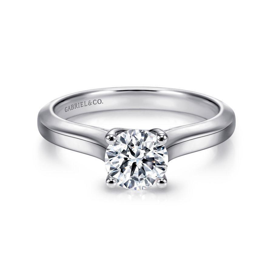 https://www.romanjewelers.com/upload/product/ER6611W4JJJ-1.jpg