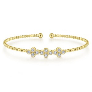 14K Yellow Gold Bujukan Bead Cuff Bracelet with Three Quatrefoil Diamond Stations