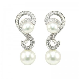 Mikimoto 18 karat white gold pearl and diamond drop earrings