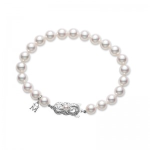Mikimoto White Gold Bracelet With 23 Round Akoya Cultured Pearls A 7X6.5Mm 7
