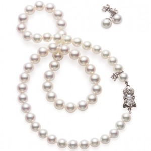 Mikimoto Strand, Bracelet And Stud Earrings Set Akoya Pearls
