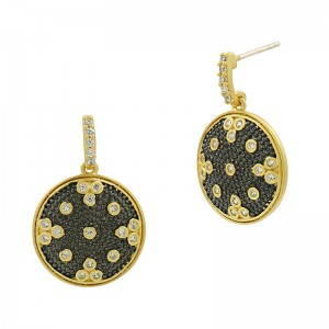 Signature Clover Disc Drop Earring